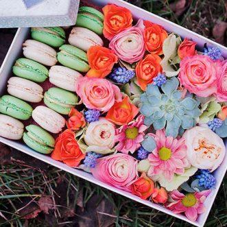 15 макарун с цветами